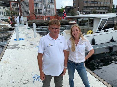 Nora Sjögren Johre og Ernst Terje Jakobsen i Canal Boats Telemark forteller om en veldig god mottakelse første sommeren med drift. Denne uka er alle båtene utleid.