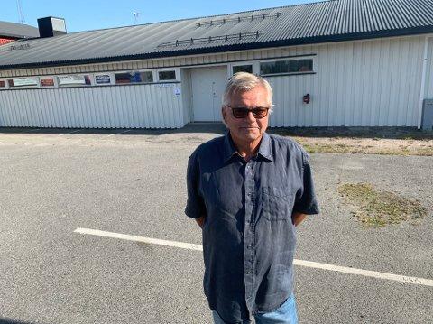 ETTERLENGTET: Per Lønne gleder seg til å åpne det første møtet i Herøya Oldermannslag, etter nesten ett helt år med stengte dører.
