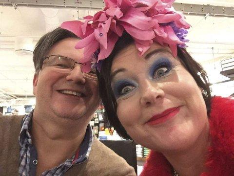 KOHT OG KAALSTAD: Even H. Kaalstad fra Rakkestad har vært redaktør for den nye boken til Christine Koht «Absolutt Koht». 16. februar står de begge på scenen i Rakkestad kulturhus.
