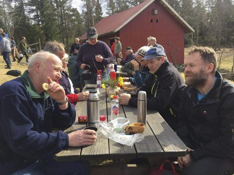 Mat: På Høitomt kunne man ta frem matpakka og termosen i det fine været. Foto: Marie Peyre