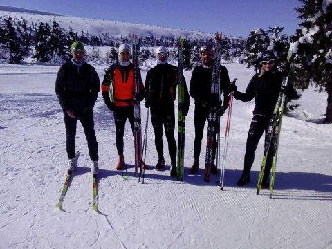 Fra venstre: Ragnar Heier, Robert Rasmussen, Trond Hartvig Haug, Martin Smedstad Torp, og Elisabeth Ugland Haug. Ole Kristian Solberg gikk også men hadde reist hjem før bildet ble tatt.