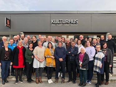 På trappene: En ny politisk periode er så vidt begynt, og for politikerne i Rakkestad startet den på opplæring.