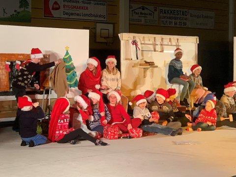 DYKTIGE: Elevene ved Kirkeng skole hadde forberedt en herlig show.