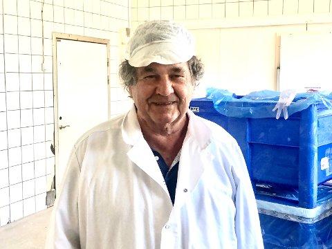 KEBABKONGEN: Pølsemaker Knut Harlem har drevet for seg selv siden 1966. Nå gjør bedriftens hans gode penger som leverendør til serveringssteder med kebab på menyen.