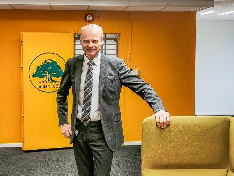 Rune Iversen er banksjef i Marker Sparebank. Han sier at banken er blant landets mest solide.