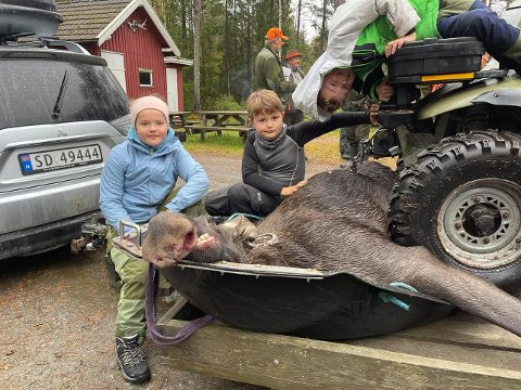 Morsomt på jakt: Anna Dorthea Gudim (9), Hans Peder Gudim (7) og Odin Johanne Gudim Bøhn (9) synes det er morsomt å få være med på jakt.