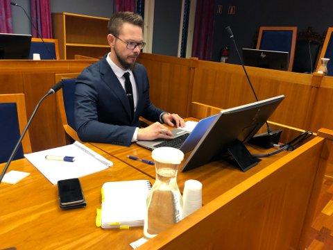 I innspurten: Politiadvokat Anders Svarholt sitter på saken om tiggerkvinnen i Rakkestad.