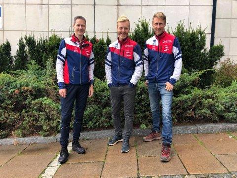 GLEDER SEG: Trioen Bjørn Erik Glomsrud (f.v.), Thomas Bedin og Håkon Gjerde gleder seg til NM-stafetten søndag. Foto: Privat