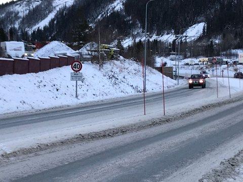 Skilt på plass på E6 gjennom Svortdalen.