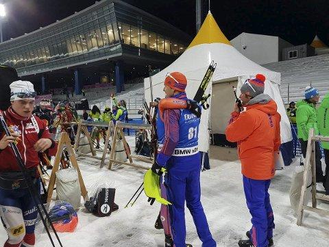 I verdenscup: B&Y ILs Fredrik Gjesbakk (t.v.) forlater målområdet i Pyeongchang etter 61. plass i verdenscup for et par uker siden. Nå venter en ny sjanse på hjemmebane. Foto: IBU