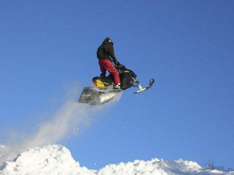 Hill climb: I helgen arrangeres Vinterfestival i Bleikvasslia. Selv om det er flest lokale sjåfører, kommer det folk fra hele landet. Foto: Aina Olsen/Privat