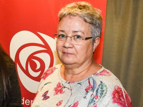 Leder Tone Øvermo Bruun melder seg ut av Hemnes Ap, siden hun ikke er fornøyd med partiets ordførerkandidat og frykter for skolestrukturen i kommunen.