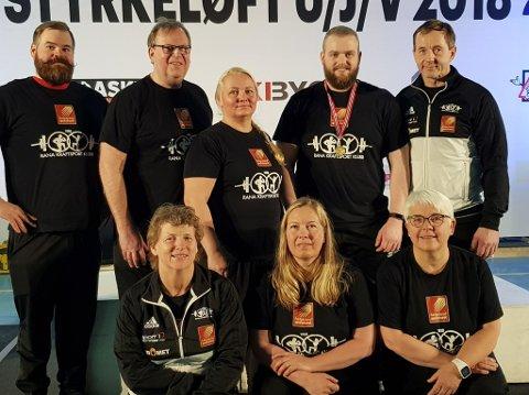 Rana KK stilte med syv løftere i årets utstyrsfrie NM i styrkeløft. Christoffer Nygård, Rita Pernille Bråthen, Birgitte Lorentzen, Eskild Sommernes, Inger Blikra, Tove Michalsen og Morten Rygh.