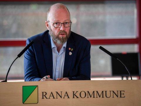 Etter klima- og miljøminister Ola Elvestuens Mobekken-svar, vil Geir Waage be om et møte med statsråden for å diskutere saken.
