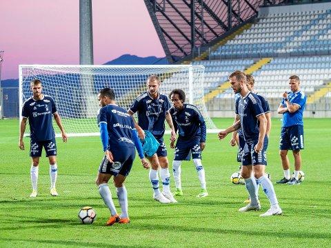Hele troppen til Sarpsborg 08 på trening i Rijeka i går. Foto: Thomas Andersen
