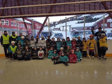 I GANG: I fjor var det stor aktivitet i ishallen på Sklilevollen. B&Y IL Hockey håper på enda større interesse denne vinteren.