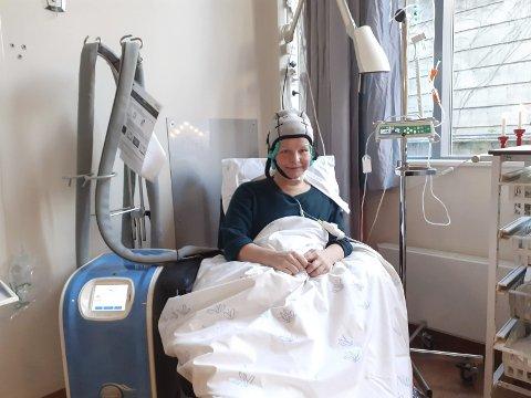 Karen Hagland nærmer seg innsamlingsmålet på 300.000 kroner til en kjølehette ved Helgelandssykehuset Mo i Rana. Nå venter hun på svar om de vil ta i mot. Foto: Privat