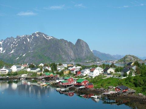 Nordmenn generelt vil i stadig større grad reise til Nord-Norge på ferie. Illustrasjonsbildet er fra Reine i Lofoten.