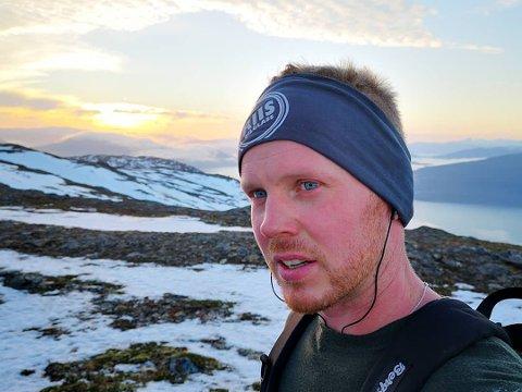 Daniel Edvardsen, sier det å gå på tur er medisin, om man er litt uggen i kroppen. Han er en av mange Ranatraskere. Daniel har gått 24 turer, og har besøkt flere av de samme postene mange ganger.