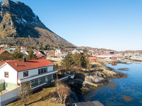 Huset fra 1963 er for tidens Lovunds dyreste enebolig ute for salg, med en prisantydning på 3,1 millioner kroner.