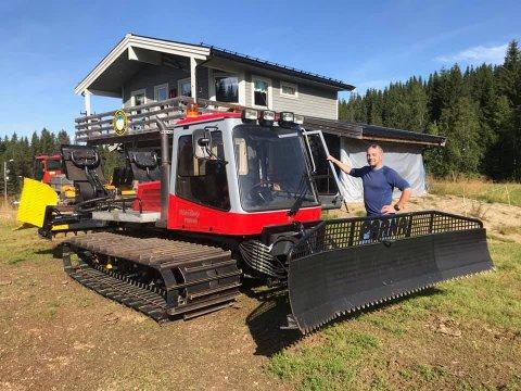 André Kalkenberg i Skonseng UL er meget godt fornøyd med at laget har fått en mer moderne tråkkemaskin.