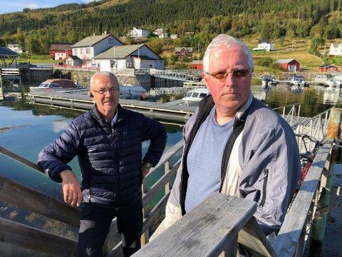 Opprørte: Både Terje Berg (t.h.) og politiker Fred Eliassen er oppgitt over det som har skjedd. Eliassen betegner det som et paradoks at det står avlåste rom på Steigentunet samtidig som kommunen må kjøpe tjenester i nabokommunen Hamarøy.