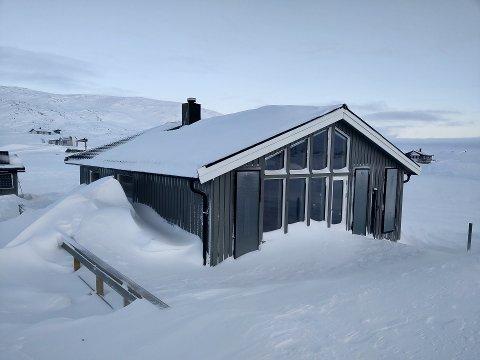 Slik ser hytta til Cato Bye Johansen ut. Den heter Ulvehiet og ligger på Bjørnfjell.