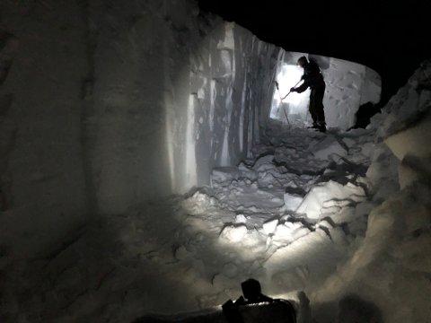De ansatte Statskog Fjelltjenesten er i gang med å måke snø på Inner-Bredek og Granneset.