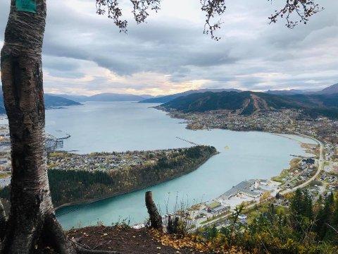 Utsikt over Rana fra Tjuvtrappa på Ytteren.