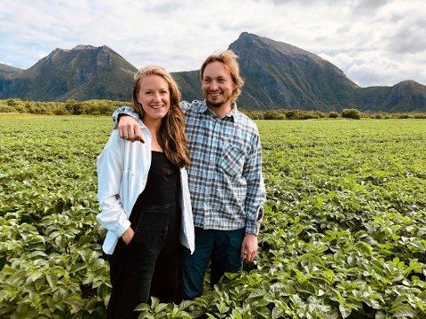 Finaleklare: Tirsdag blir det klart om Dina Fonn Sætre og Henning Holand fra Steigen blir kåret til Årets unge bonde.
