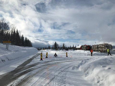 Grenseovergangene i Hattfjelldal kontrolleres nå av politi, tollere og forsvarspersonell.