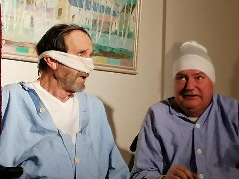 """Anton og Karl havner på sykehuset i forestillingen """"Svin på skogen"""" der planene for sommeren ikke går helt som planlagt."""