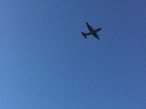 Herculesflyet hadde behov for trening, og gjorde low fly by to ganger i Rana onsdag ettermiddag.