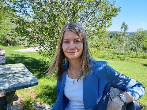 SIJTI JARNGE: Josefine Skerk, leder for det samiske kultur- og veiledningssenteret, har store planer for et kompetansebibliotek i Hattfjelldal.