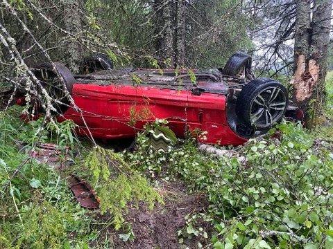 Her endte ferden for bilen som kjørte veien tirsdag morgen.
