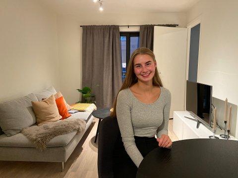 EGEN BOLIG: Frida Røslie (22) er stolt av at hun har kjøpt sin egen leilighet i Tromsø.