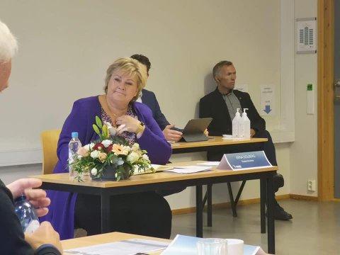 Statsminister Erna Solberg under dagens innspillskonferanse i Bodø.