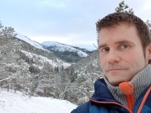 Bjørnar Aarstrand bor midt i Lomsdal/Visten nasjonalpark, og skal nå forvalte den.