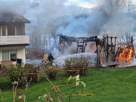 Brann i garasje i Dalselv.