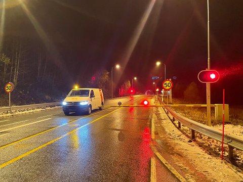 Stengt tunnel på E6 ved Finneidfjord.