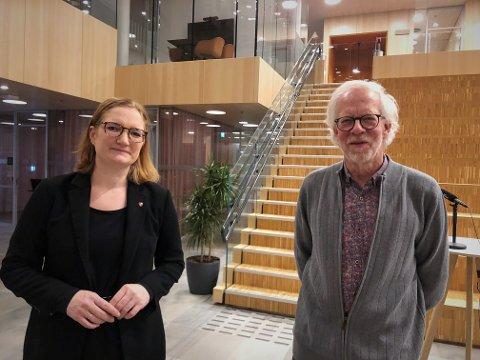 Torsdag kveld holdt Bodø kommune pressekonferanse om smittesituasjonen i Bodø. Her med ordfører Ida Pinnerød og kommuneoverlege Tor Claudi.