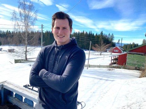 Ble syk: Sander Sørsveen fra Brøttum ble lagt inn på sykehus og måtte få oksygentilførsel da han ble sjuk.