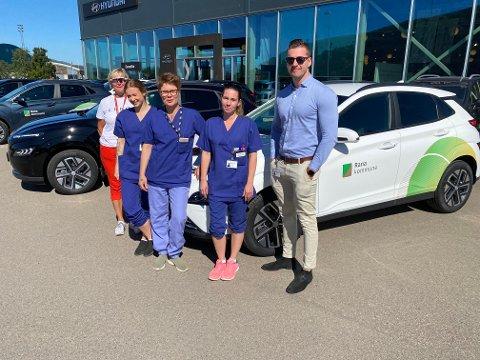 Ann-Marit Tverå (f.v), leder hjemmebaserte tjenester,  Sanne Salomonsen, sykepleier, Heidi Ramsvik, hjelpepleier, Gudrun Sjøset, helsefagarbeider, Jakob Dreyer, innkjøp. Alle Rana kommune.