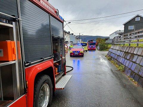 Brannen i en kjeller i Langneset ble raskt slokket. Sju personer ble evakuert fra firemannsboligen.