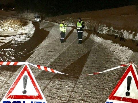 Sperret av: Politi i Fagerlundveien Foto: Gaute Freng