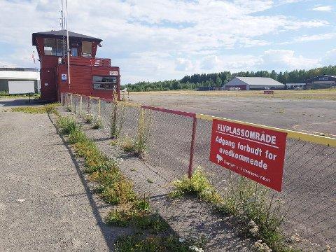 VIL BEVARE: 3 av 4 i Hamar vil bevare flyplassen, i følge tall fra fersk spørreundersøkelse.