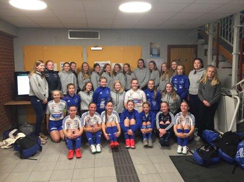 En god gjeng: Brumunddal stiller med hele tre lag i J17 under helgas Otta Cup. Gjengen holder i følge rapportene svært godt nivå både sosialt og sportslig. Søndag venter sluttspill for jentene fra Dala.