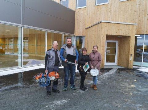 GRÜNDERE: Fra 18. april starter disse fire pluss Mjøsanker opp egne butikker for ombruksvarer i kretsløpsparken på Gålåsholmen. Fra venstre: Knut T. Pettersen, Rune Moen, Petra Orgren og Jeanette Nielsen.
