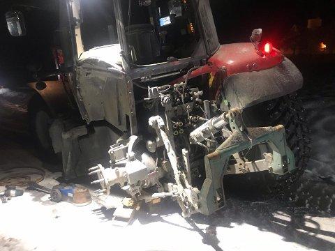 KNAKK: Hjulplata knakk på denne traktoren.