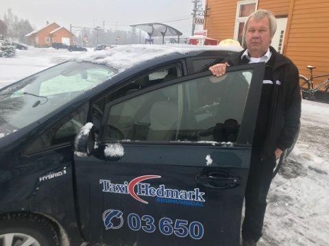 Taxisjåfør: Kurt Ove Engeskaug synes det er dumt med ungdomstilbudet som forsvinner.